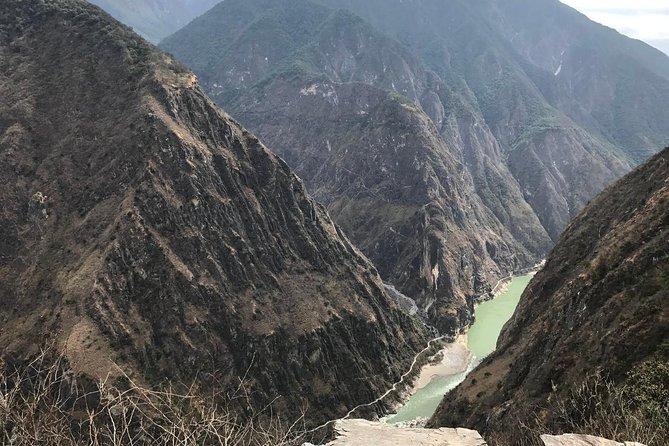 2-Days Lijiang Tiger Leaping Gorge Hiking Tour and drop off at Shangri-La area, Lijiang, CHINA