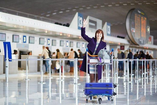 Affordable airport pickup that accounts for flight delays. Enjoy a safe, comfortable ride wherever you<br>need — hotel, short-term rental or a meeting.