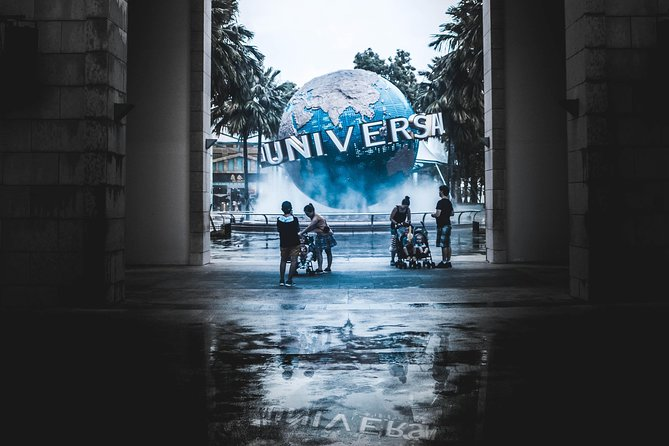 · Children aged 4+ will be charged the same rate as adults<br>· Children aged 0-3 can enter Universal Studios Singapore for free so long as they're accompanied by paying adults and if they don't require any Express Passes<br>· Please note- admission to the park is valid for an entire day. You can even leave and re-enter the park but be sure to get a hand stamp at the exit; you won't be able to re-enter without it<br>· The Universal Studios Singapore Express Pass isn't valid for admission to any Resorts World Sentosa's attractions (Universal Studios Singapore, S.E.A. Aquarium, and Adventure Cove Waterpark); separate one day tickets are required for admission to these attractions<br>· Please note- you'll have to purchase Universal Studios Singapore tickets before purchasing the Express Pass<br>