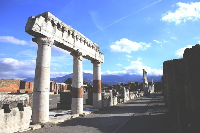 Skip-the-Line Best of Pompeii in one Day Tour w Local Guide & new opened houses, Pompeya, ITALIA