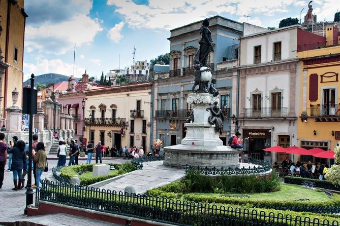 Highlights:<br><br>- Private guided tour of Guanajuato for kids and families <br>- View the city's must-see sights<br>- Private tour tailored to your party's interests and preferences<br><br>What to expect: <br><br>Gather your family and meet your guide at the entrance of Teatro Juarez. Your private guide is very experienced with families of all combinations and children of all ages; the guide will ensure everyone in your party is engaged in the history and art of Guanajuato. <br><br>Showing you the local side of the town, you'll see the best hot spots; learn the history of the city, visit the local market, try the Mexican delights, come closer to some art places. During the tour, we will stop at the most interesting places to see the beautiful art pieces and hear the story of behind them.<br><br>The goal is for all tour participants to feel inspired by the city's treasures and keep exploring Guanajuato and Mexico in general.