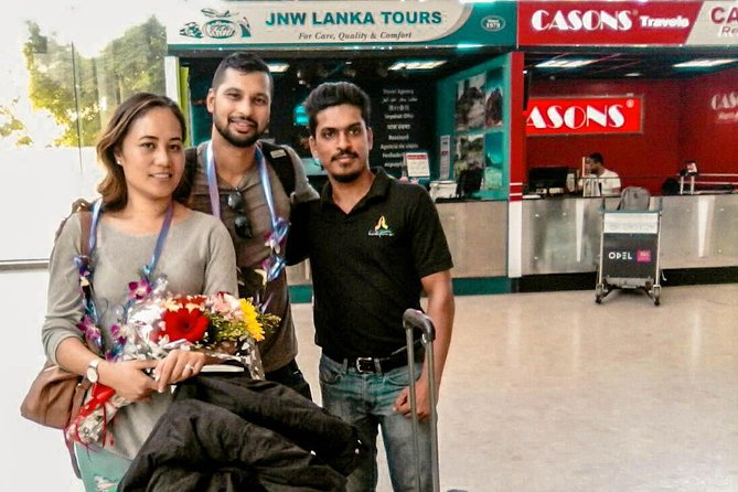 (SKU: LK40104401) Start your Sri Lanka holiday with ease by booking this private arrival transfer from Colombo Airport (CMB) in Sri Lanka to anywhere within Kataragama city limits. Your friendly and professional driver will meet and greet you upon your arrival and drive you directly to your destination in the comfort of a private, air-conditioned vehicle.<br>