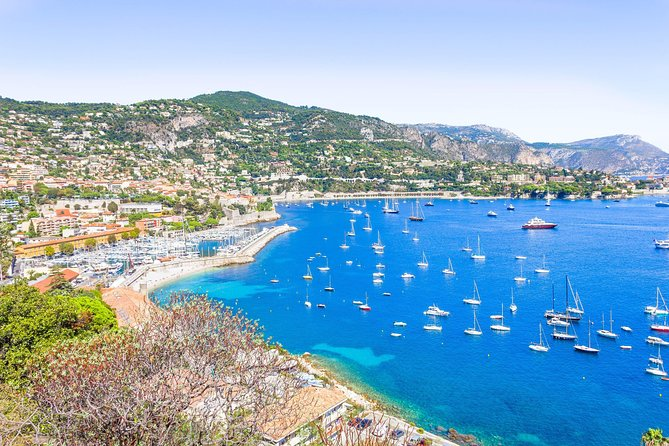 Enjoy the French riviera with a your boat only for you! <br><br>Complete flexibility: tailor your itinerary and the timing, for the day with your dedicated boat. <br><br>The incredible places in the area:<br><br>> Saint-Jean-Cap-Ferrat, Located in the heart of the French Riviera, between Nice and Monaco, the Cap-Ferrat peninsula is a true jewel of the blu that offers its visitors the charm of an exceptional and preserved site. Fossettes beach is undoubtedly the most unspoiled and discreet beach on the peninsula, perfect for snorkeling!<br><br>Monte-Carlo, seen from the sea. An unique view, see the Super Yacht with the largest yachts in the world. the prince's castle and the incredible palaces that surround the port. The streets of the F1 circuit wind around the port. <br><br>> La Plage d'Amala. a very beautiful bay with turquoise blue water and a cave where you can dive inside. enchanting.<br><br>Towards Italy, Sanremo, I balzi rossi and much more. The Hanbury Botanical Gardens on the Mortola Bay, on the Ligurian coast, a few kilometers from the French Menton.<br><br>Food & Drinks (our suggestions) <br>- Anjuna Beach<br>- La Réserve de la Mala<br>- Paloma Beach<br><br>IMPORTANT: <br><br>- The boat is rented exclusively with skipper (extra fee) . We do not rent the boat only. If you wish, we can suggest a professional skipper.<br><br>- The boat is rented exclusively fo one client<br><br>Right in the heart of the village, this beach is one of the largest on the peninsula.