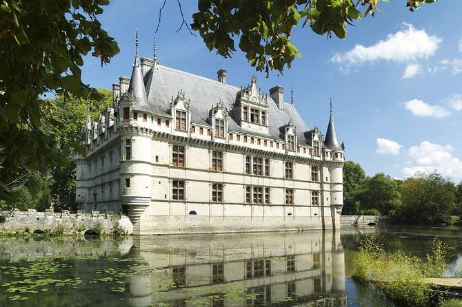 Enjoy a full-day tour in the heart of the Royal Valley where you will visit three of the major chateaux of the region and taste some of the excellent local wines. Today, you will discover the Castle of Azay-Le-Rideau, the Chateau of Langeais, and the Gardens of Villandry, a piece of French art. Enjoy as well a wine tasting at an organic vineyard.