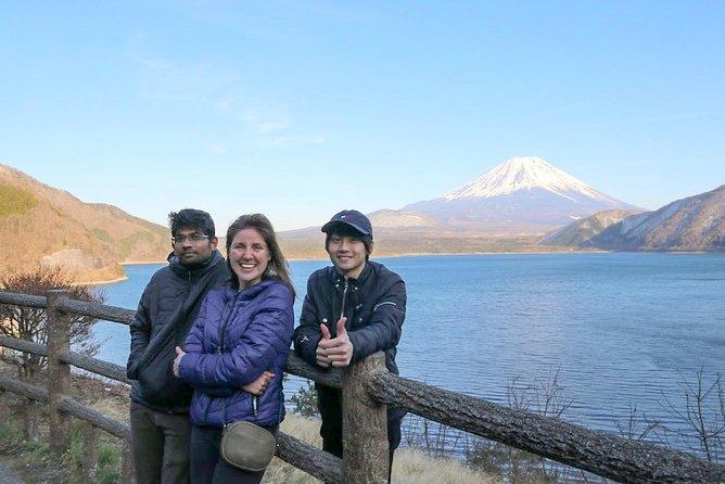 Mt.Fuji homemade BBQ,1000 yen bill view in Lake Motosu,Shiraito Falls 1-Day Trip, Tokyo, JAPON