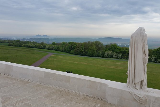 Following the footsteps of the Canadians at Vimy Ridge and the Somme from Arras with a local experienced guide. We are conducting battlefield tours of the Western Front since over 12 years to provide you a unique experience.