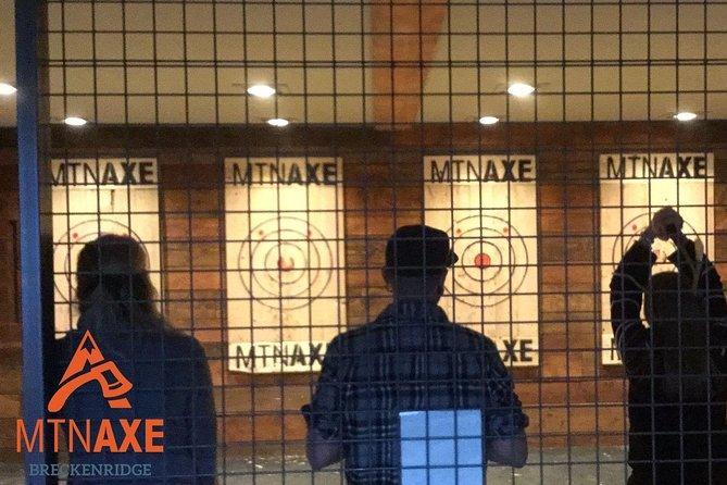 1 hour Axe Throwing experience with a Coach, Breckenridge, CO, ESTADOS UNIDOS