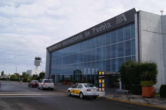 Private transportation from the airport to your hotel in the city of puebla in a car sedan 4 doors.