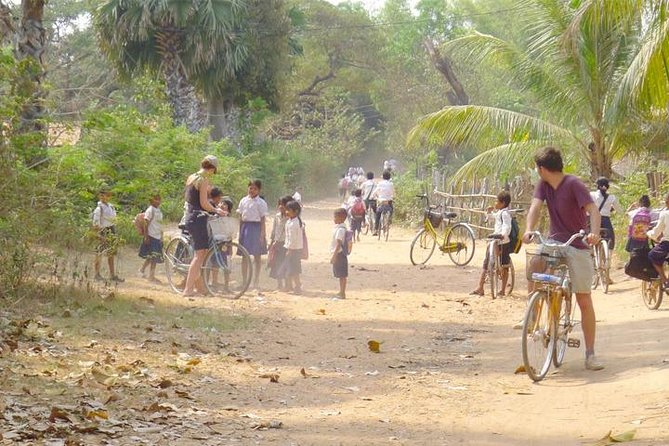 Cycle the Floating Village & Sunset Cruise - Free Hotel pick up & Drop Off, Angkor Wat, CAMBOYA