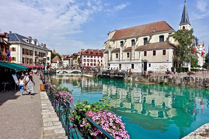 """Visit one of the cutest cities of the Rhône-Alpes region of France: Annecy. It's situated in the Alps, so if you love skiing this is the place for you. Today, you can enjoy a private walking tour of Annecy with a private guide who will take you to all the spots that interest you most!<br><br>Also known as the """"Second Venice,"""" Annecy has plenty of beauty in store. See the Palais de l'Isle, which was a prison in the 12th century, and for something completely different, move on to cross the bridge of lovers. Another must-see is the gleaming lake of Annecy, inarguably a city highlight. Before you end your day in Annecy, you are also recommended to visit the Old Town, a lovely area full of quaint cafés to keep visitors well-fueled and busy.<br><br>If there is any place in particular you would like to go but it is not mentioned in the tour description, just ask your guide and he or she will be happy to take you wherever you want to go."""