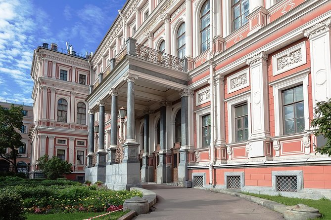 Russian Folk-Show at Nikolayevsky Palace, San Petersburgo, RUSSIA