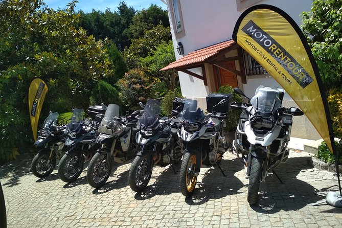New motorcycles in perfect conditions! We can deliver and pick up all over Portugal. Motorcycle gear is also available.