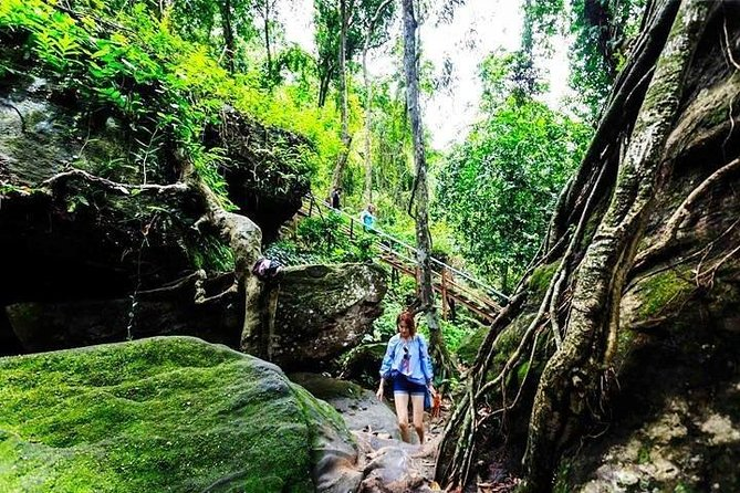 Kulen Mountain and Beng Mealea temple Trekking Tour - Free Hotel Pickup, Angkor Wat, CAMBOYA