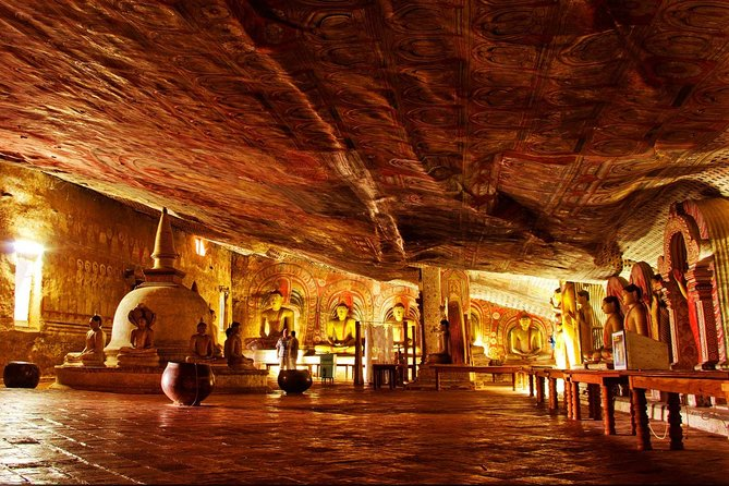 our Friendly Driver will Meet in Hotels in Negombo and Start your Journey around 0530 Hrs .After<br>04 Hours Journey you will reach Your First Leg of your tour,Dambulla Cave Temple.Later you will visit<br>The ancient city of Polonnaruwa and Medirigirya vatadageya