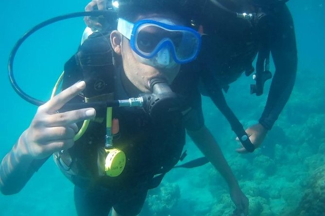 Introductory Scuba Experience: Try your first dive today !<br>If you have wondered what its like to be underwater, this is a easy and fun way to find out what scuba diving is really like! For both swimmers or non swimmers, this session is your first introduction to the underwater world.<br>