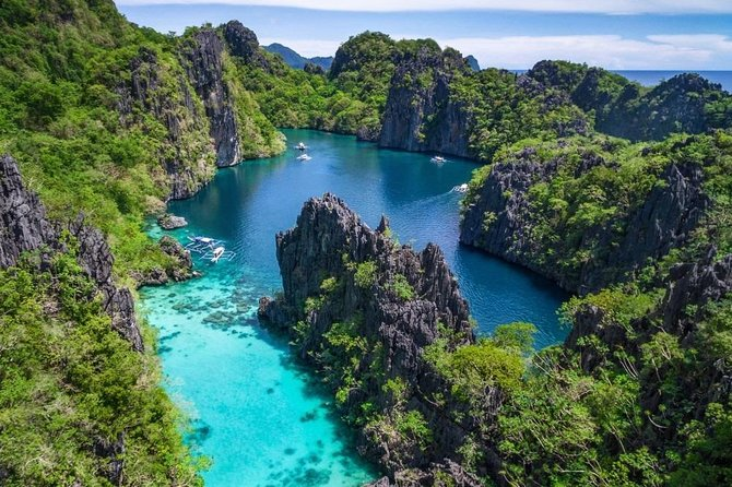 This Island Tour is the most famous for its lagoons & beaches. Prepare yourself on this one of a kind experience exploring the unspoiled beaches of El Nido. The first point of the tour, either Big or Small Lagoon. Be mesmerized by its crystal blue water & rich green surroundings. Continue to the next site, where you will discover the secret lagoon that is famous for its clear water, towering cliffs & known as the crown jewels of El Nido. Enjoy the next site, the Shimizu Island that offers a variety of activities that you can do. Lay on the sand & enjoy the sun, roam around the shore or swim & snorkel where you witness the fascinating marine life of the island. Last but not least is the Papaya Beach. Another perfect spot for lunch and snorkeling. Reefs for snorkeling here are just a few feet away from the shore, making it a safe and suitable swimming spot for children, as well. Walk to its 250-meter long stretch of soft white sand shore that is perfect for relaxation & sunbathing.