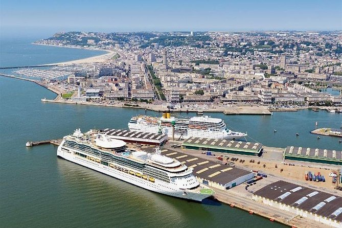 Port of LE HAVRE Departure Private Transfer to Paris Airport CDG in Luxury Van, El Havre, FRANCIA