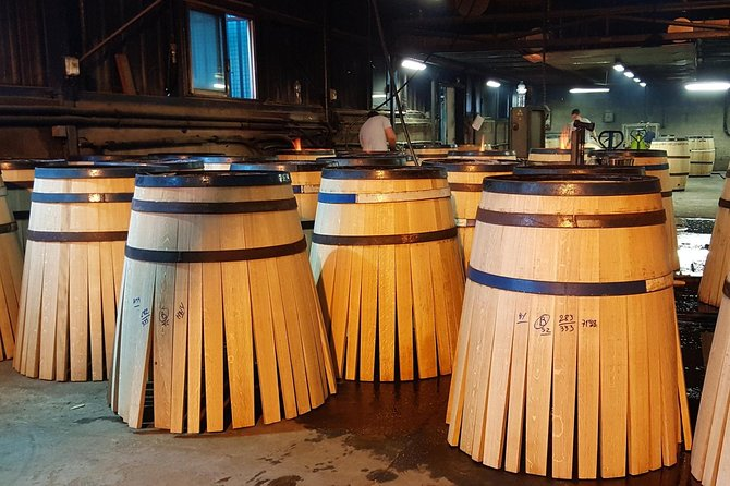 Private day-tour from Angouleme: Facets of Cognac : Brand, Distillery, Cooperage, Cognac, França