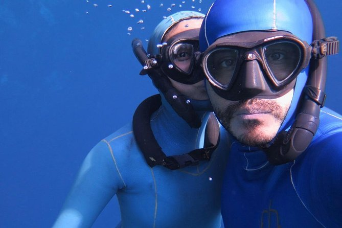 Start as a freediver is a changing life experience, we are pioneers in Mexico, our school have more than 15 years of giving another quality of breath to all of our students. We would love to share with you our passion. You will be able to hold your breath and dive into yourself. The certifications that we offer, are well valued as first qualification level. <br><br>Come and try this amazing activity, holding your breath, for safe dives, fun dives, if you are passionate of the underwater photography, or just for the experience of a better breathing. <br><br>The course is about 3 days<br><br>INCLUDING:<br>- Theory sessions <br>- Practice sessions (In one of our selection of cenotes)<br>- Breathing<br>- Stretching <br>- All the logistic for open water session<br>- Certification (in case of passing the course)<br>- Snaks & hydration zone <br>- Last day lunch<br>- A welcome kit & many hours of fun!<br><br>NOT INCLUDE<br><br>- Meals<br>- Accommodation<br>- Transport<br>- The unspecified<br><br>Come with us and live an underwater experience beyond the ordinary!