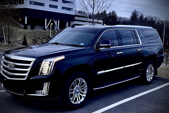 First class vehicules for your comfort To Logan Airport Flat rate<br>up to six passenger. We prioritize on your comfort and stress free traveling. <br><br>