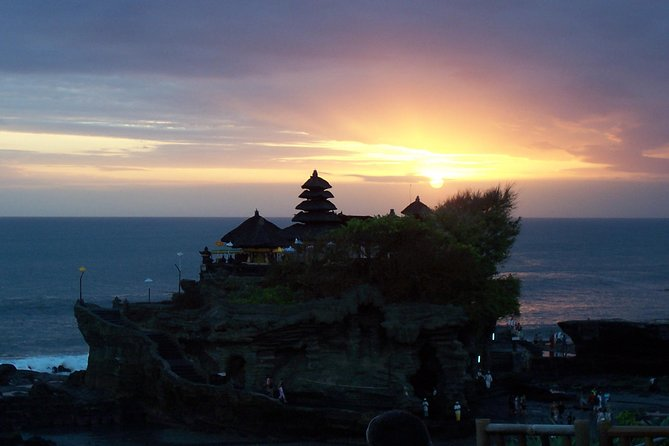 Discover the beautiful scenery of Ubud and watch sunset from Tanah Lot temple with your private English speaking guide. You will visit Ubud art village, explore Ubud Palace, and see the green rice terrace in Tegalalang. You will also see the beauty of Tanah Lot temple while enjoy spectacular sunset. Your driver will take you around in a private vehicle for your comfort.