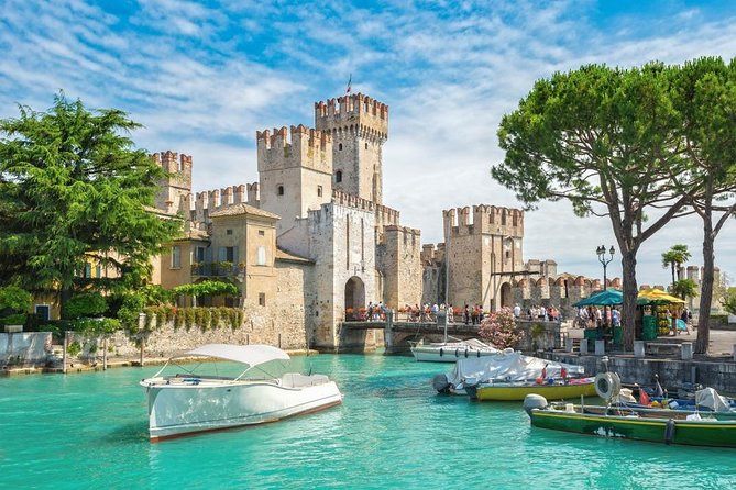 Looking for a special way to see the most beautiful island of Garda Lake? This is exactly what you are looking for. During this 1.5-hour excursion, you'll see the Grotte di Catullo, the Rocca di Manerba and the Isola di San Biagio.