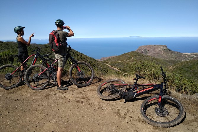 Enjoy an amazing e-Bike Touring Cyclist Route in La Gomera riding one of the best current e-Bikes and discover amazing hidden spots of this island.