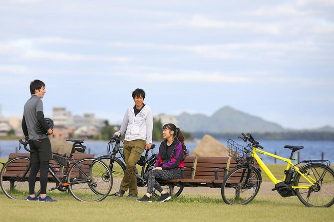 e-BIKE, the motor assists up to two-thirds of the power. Powerful and easy ride even on slopes or long distance.<br><br>e-BIKE is the best tool for trip in Amanohashidate and Ine. Amanohashidate is natural sand bar which can be passed through by e-bike.<br><br>You can rent it whole a day.<br><br>Rent point is Amanohashidate station, Hashidate bay hotel, Ine tourist information and so on.<br><br>You can return it both of Amanohashidate and Ine.<br><br>Let's enjoy supreme cycling in Amanohashidate !<br>