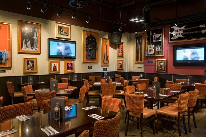 Skip the Line: Hard Rock Cafe Cologne Including Meal, Colonia, GERMANY