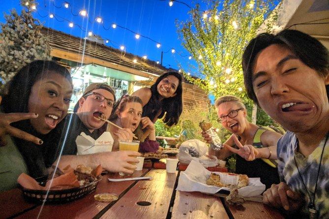 Weird Bar Crawl with Fanatical Local, Portland, OR, ESTADOS UNIDOS