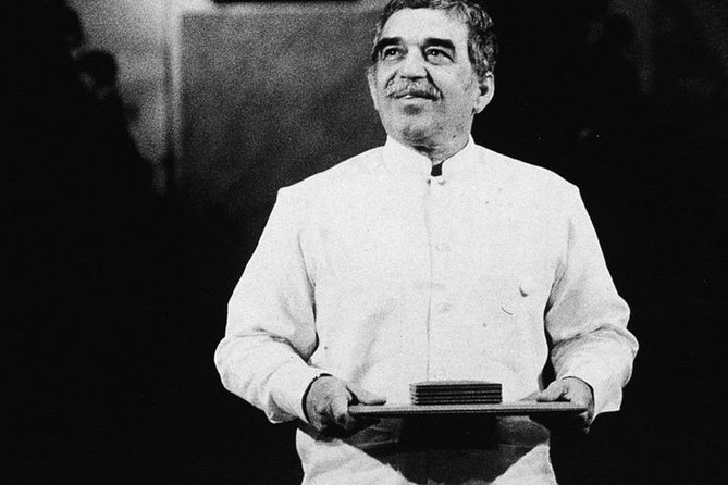 """In all the biographies and even in his own book, """"Living To Tell The Tale"""" (2002), references are<br><br>made to the various times that Nobel Literature Prize winner Gabriel García Márquez lived in<br><br>Barranquilla. This special tour leads us to all the footprints our beloved """"Gabo"""" left in this city"""