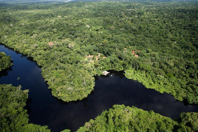 This 8-day tour will take you across two different ecosystems, to one of the best wildlife sanctuary in South America, the Pantanal and the majestic rainforest of the Southern Amazonian basin. Although far from the beach, you will have a chance to fully relax in the nature. The best time to visit would be during the dry season (July-September) or the transition seasons (March-June and September-November).