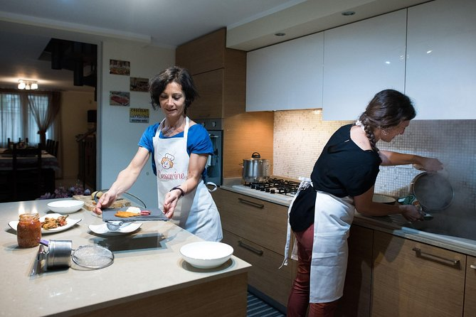 Private cooking class at a local's home with tasting in Brindisi, Brindisi, ITALIA