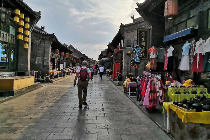 Visit highlights of Shanxi including Pingyao and Datong with this 4 days private tour from Pingyao.<br><br>You will be picked up at Pingyao hotel/train station and dropped off Datong hotel/Train station.