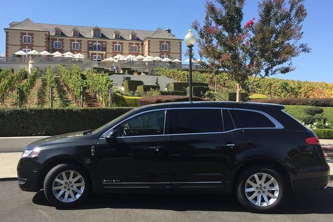 One-way private transfer between CALISTOGA Hotel TO or FROM San Francisco International Airport (SFO), or Sacramento International Airport (SMF), or Oakland International Airport (OAK). <br>- Executive Lincoln Sedan, Seats up to 3 passengers (with small - regular size luggage only). <br>-- We guarantee to provide a professional airport transfer service with on time delivery and excellence customer service.