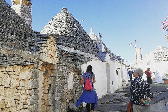 MÁS FOTOS, Discovering Alberobello and Locorotondo