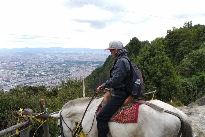 Tour a Caballo desde Guadalupe a Monserrate, Bogota, COLOMBIA