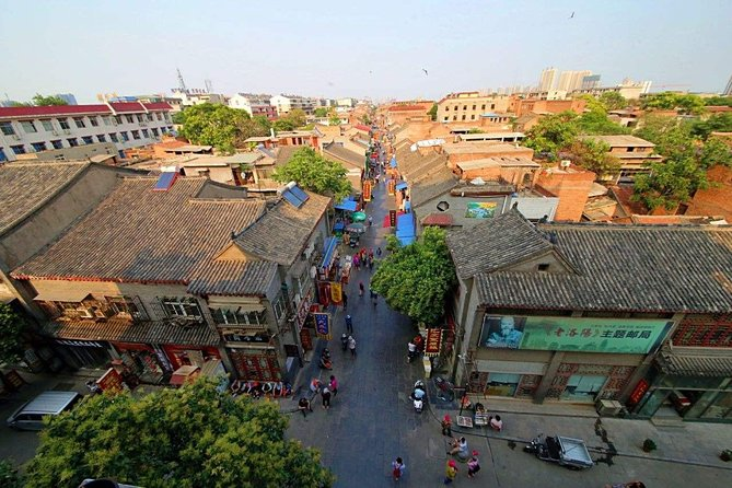 1-Day Luoyang tour to Longmen Grottoes,White Horse Temple and Old Street, Luoyang, CHINA