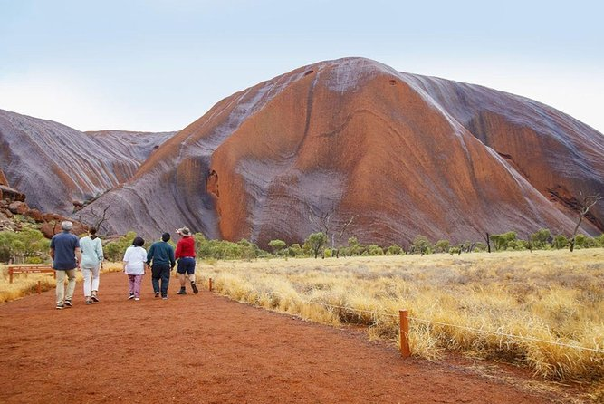 Explore Uluru: 7 Hours Guide Tour at Sunrise with Light Breakfast, Ayers Rock, AUSTRALIA