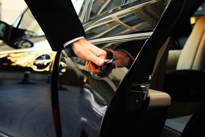 Private Transfer: From Amalfi (hotel) to Naples (hotel-airport-train station), Amalfi, ITALIA