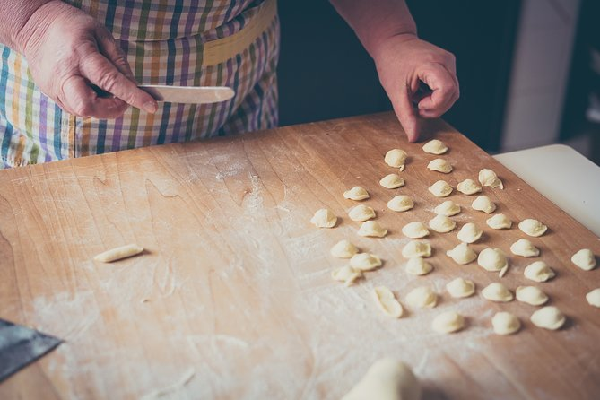Bologna Traditional Home Cooking Class with Lunch or Dinner, Bolonia, ITALIA