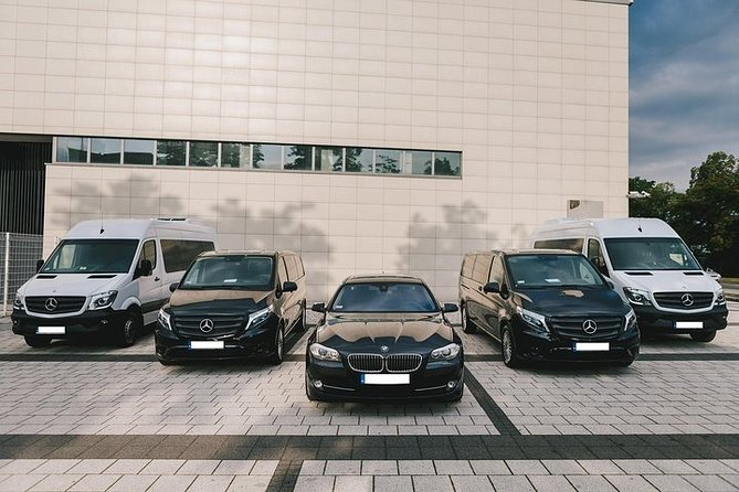 Private Arrival Transfer from Bucharest Airport to Bucharest City, Bucarest, RUMANIA