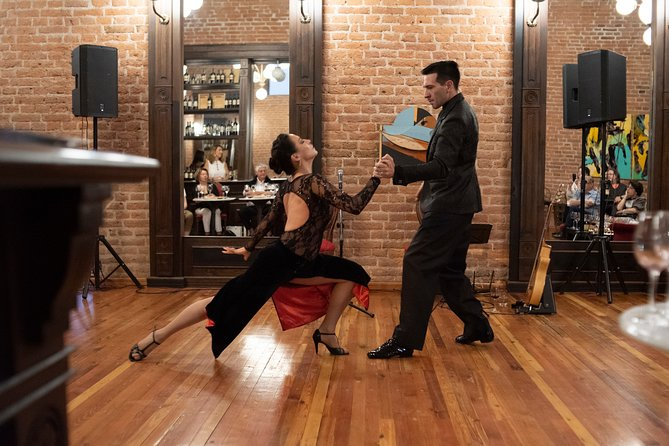 MÁS FOTOS, Visita a las Cavas con Show de Tango y Degustación de Vino