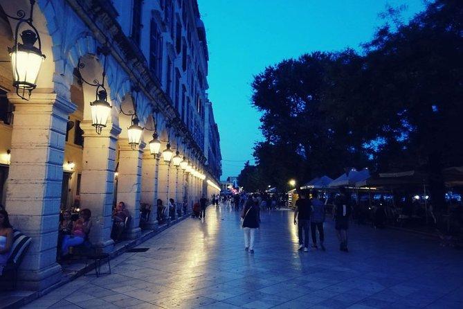 Ciudad de Corfú: Visita guiada nocturna con vino (en español), Corfu, GRECIA