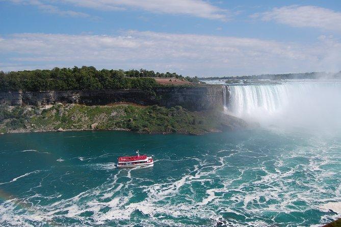 Day-Trip from Toronto to Niagara Falls with Falls Boat Ride, Toronto, CANADA