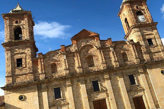 Catedral de Sal—Primera Maravilla de Colombia—y Pueblo Colonial de Zipaquirá, Bogota, COLOMBIA