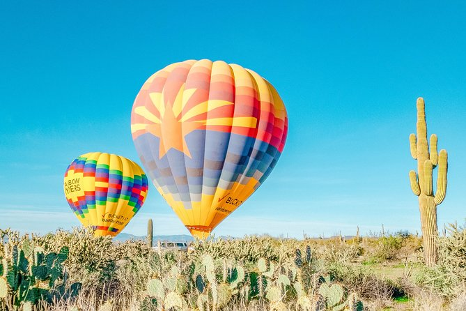 Enjoy a one-hour hot air balloon flight as the sun sets over the Sonoran Desert in North Phoenix, Arizona. You'll experience breathtaking 360-degree views of the famous Sonoran Desert landscape throughout your flight. Upon landing, you will have a celebratory toast and receive a commemorative certificate of your flight.