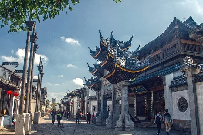 Make the most of your limited time in Wuxi by joining this door-to-door private guided tour that covers Wuxi Lingshan Buddhist Scenic Spot and Huishan old town. Marvel at the world's largest bronze Buddha statue on the top of hill and savor a local lunch. Then, spend the afternoon discovering ancient water town with bridges, canal and gardens.