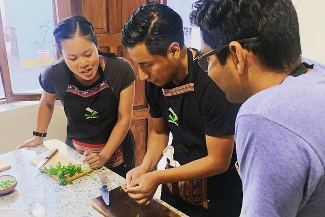 A unique Bolivian cooking class with cocktail making experience in the heart of the beautiful white city of Sucre. Bolivia is fast becoming a gastronomic hot-spot with its abundance of local Bolivian dishes and their distinct flavours which sets it apart from the rest of the world. <br><br>At La Boca del Sapo we are passionate about the Bolivian food scene and want to share our passion for Bolivian food with like minded travellers. <br><br>Through our interactive cooking classes travellers not only gain the skills to recreate a traditional Bolivian dish for friends and family at home, they get to know the local ingredients and their significance to the Bolivian people. <br><br>At La Boca del Sapo we believe that culture and tradition is at the heart of Bolivian food. Our concept is that you not only enjoy cooking and eating the delicious food we make, but through food you learn more about Bolivan culture and traditions, whilst making new friends!