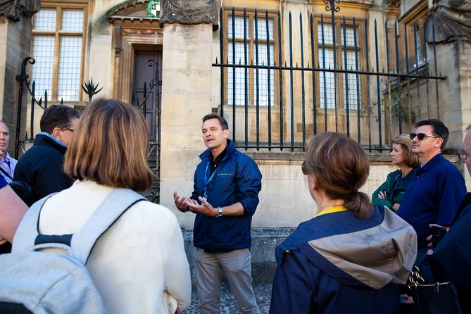An Oxford walking tour tailored to what you want to see, ensuring you make the most of your time in Oxford!